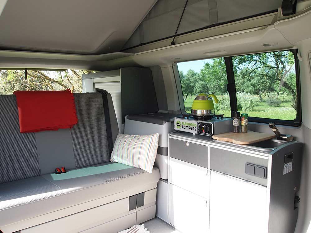 Vw California Camper >> Alquilar Volks Wagen T5 Camper 1.9 TDI - Flamenco Campers