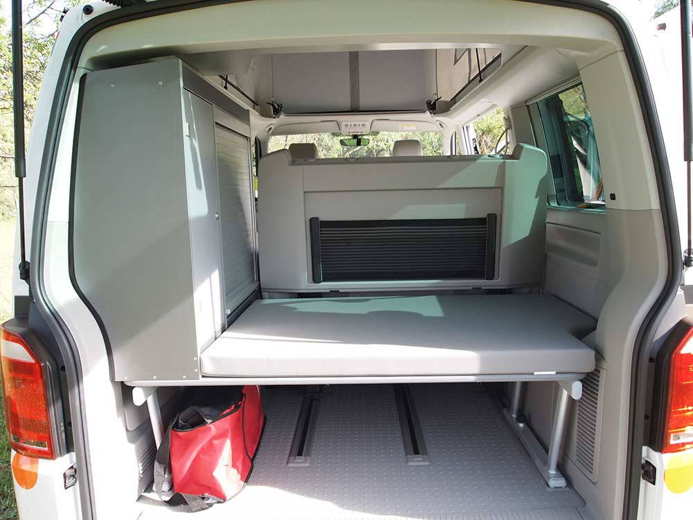 alquilar volks wagen t5 camper 1 9 tdi flamenco campers. Black Bedroom Furniture Sets. Home Design Ideas