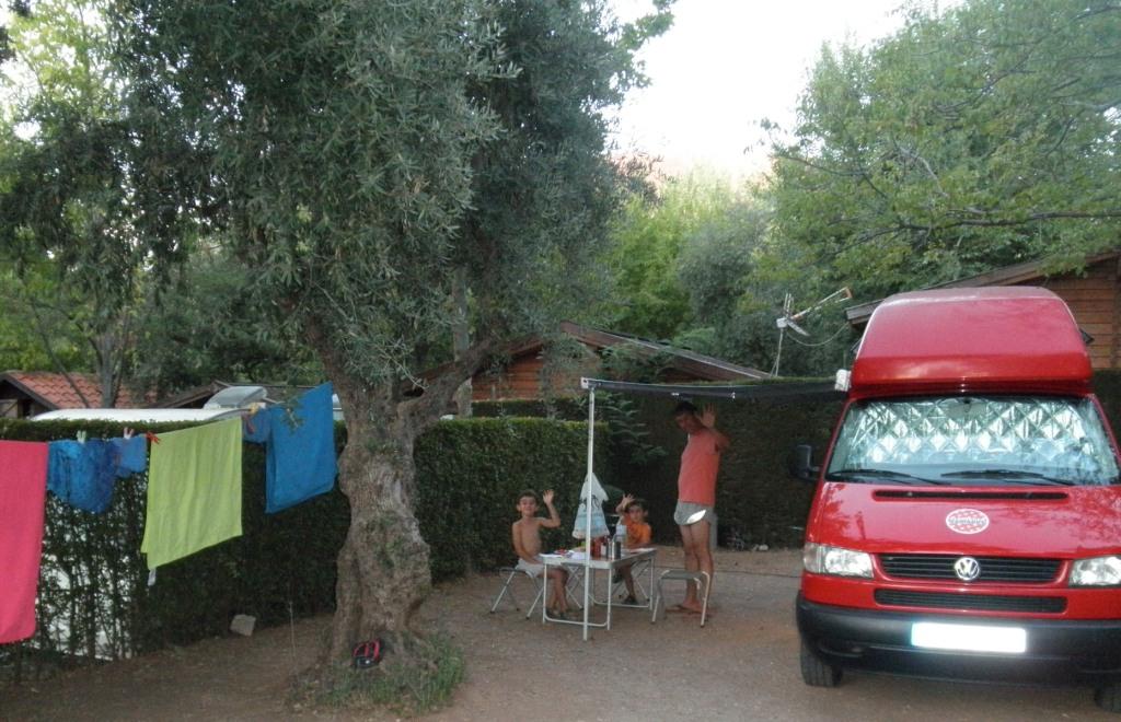 lola canarios - Ana, Jason e hijos, España