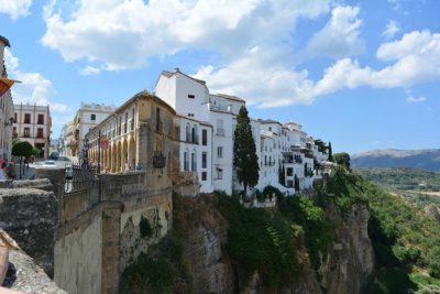ronda casas colgantes 1 - Discover the White Villages of Andalucia