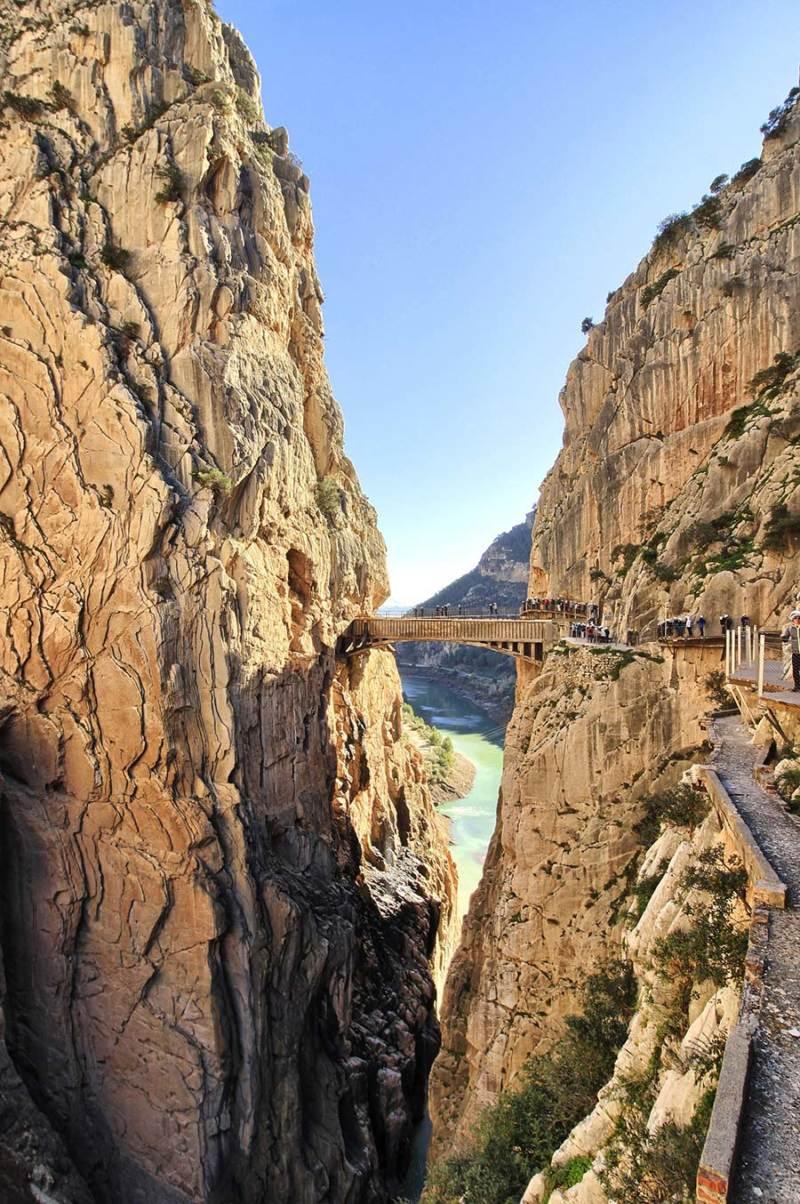 caminito del rey 800x1204 - De escalada en Andalucía