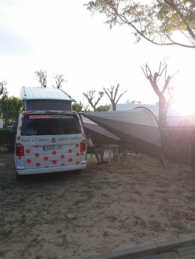helene derijcke campervan1 400x533 - Campervan Trip to Granada, Cordoba, Sevilla and El Rocio by Hellen Derijcke
