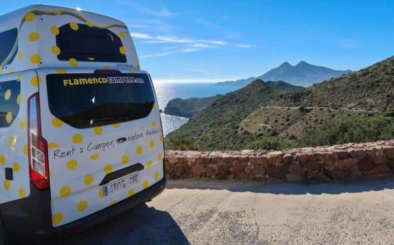 """concurso camper viajar gratis 800x498 - Concurso """"Grand Tour Andalucía"""". Diseña tu ruta y gana una semana gratis en camper."""