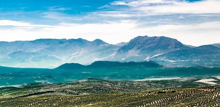holiday camper andalusia 700x341 - 5 razones para elegir unas vacaciones en autocaravana en Andalucía